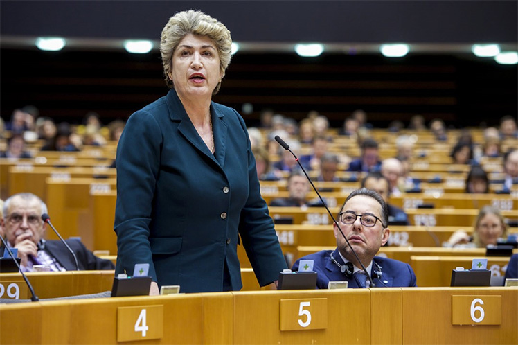 Maria João Rodrigues questiona presidente do Eurogrupo